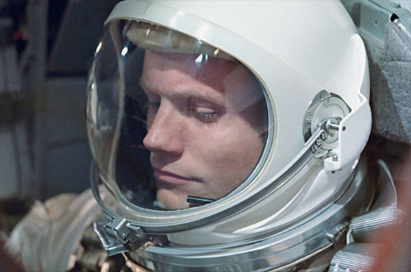 Neil Armstrong the first man on the moon dies at 82
