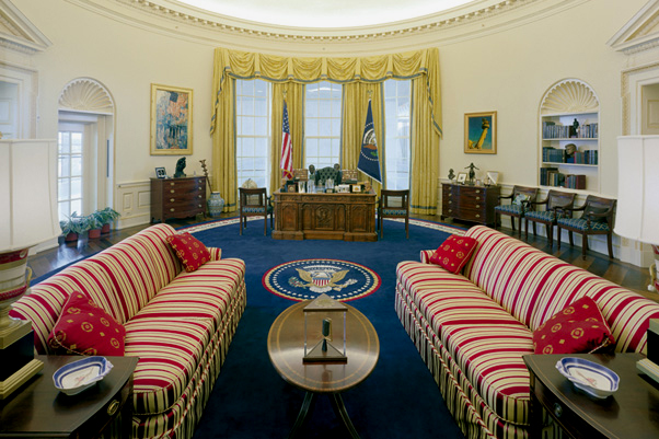 CLINTON OVAL OFFICE CLINTON OVAL OFFICE SOFA OVAL OFFICE FABRIC WHITE HOUSE FABRIC PRESIDENTIAL MEMORABILIA WHITE HOUSE MEMORABILIA THE RALEIGH DEGEER AMYX COLLECTION THE AMERICAN HERITAGE COLLECTION 