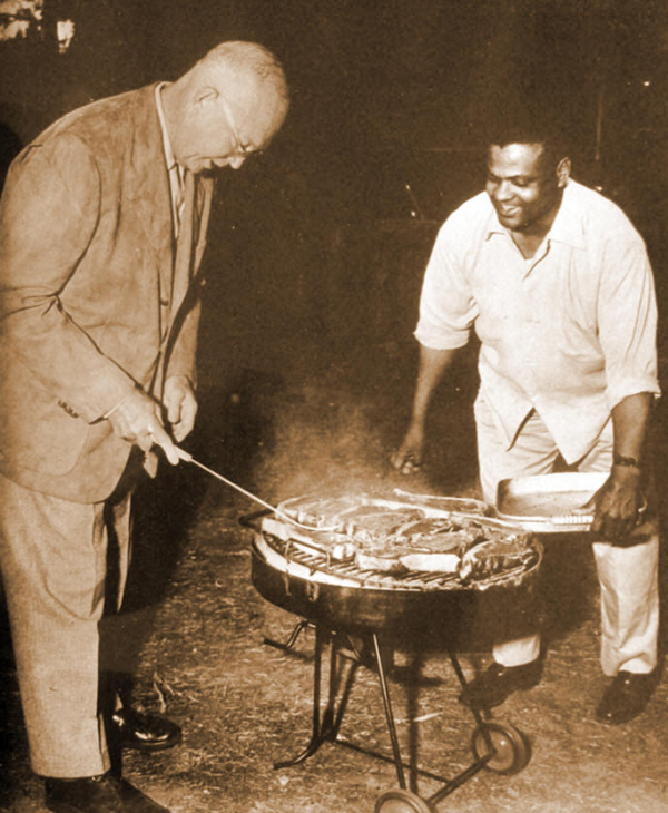 president eisenhower cooks with sgt. moaney
