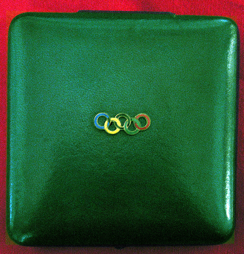 OLYMPIC PRESENTATION CASE|GOLD MEDAL OLYMPIC PRESENTATION CASE|THE RALEIGH DEGEER AMYX COLLECTION|THE AMERICAN HERITAGE COLLECTION|