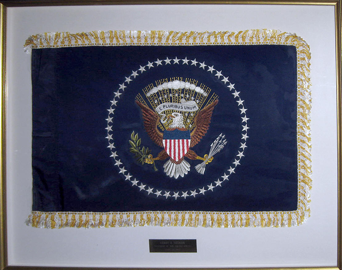 presidential limousine flag,the raleigh degeer amyx collection,presidential flag,