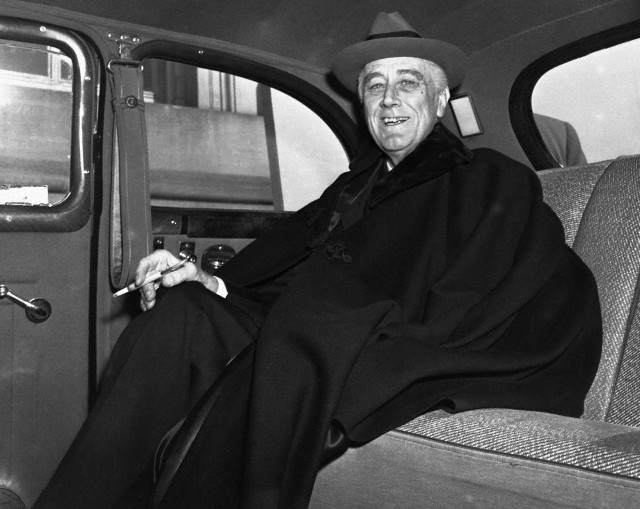 FDR CAPE INSIDE LIMO BACK SEAT Corbis BE003038