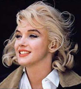 Marilyn Monroe color photograph