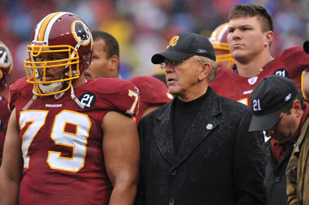 WASHINGTON REDSKINS HEAD COACH JOE GIBBS WITH HIS SKILLED NFL PLAYERS