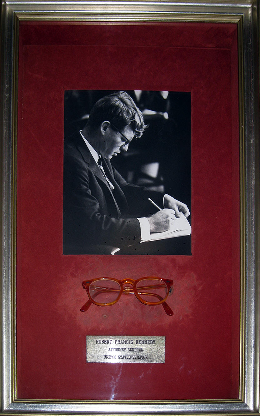 robert kennedy glasses 1