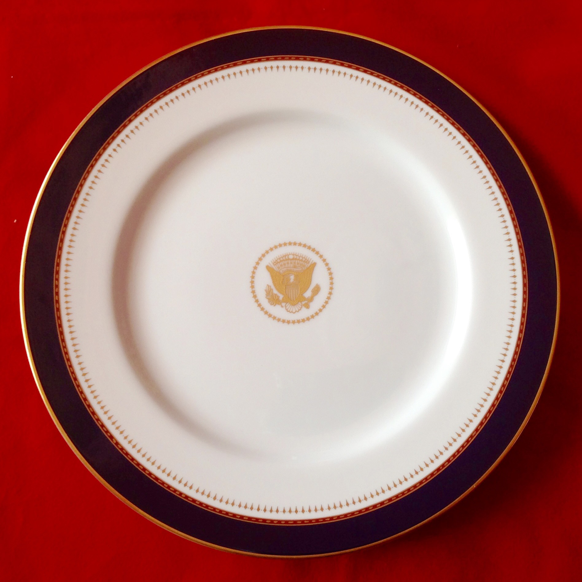 REAGAN WHITE HOUSE CHINA SERVICE PLATE