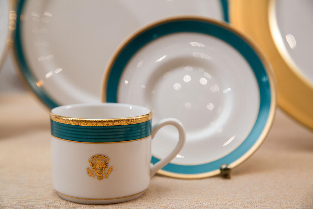 OBAMA WHITE HOUSE CHINA CUP SAUCER
