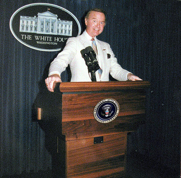 raleigh-degeer-amyx-white-house-podium